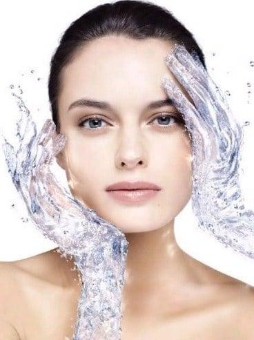 Sữa rửa mặt Cerave cung cấp nước cho da