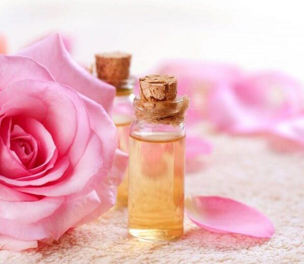 Serum Rosanna tinh chất nhau thai cừu chứa tinh chất nước hoa hồng tốt cho da