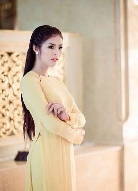 Tóc đẹp với áo dài
