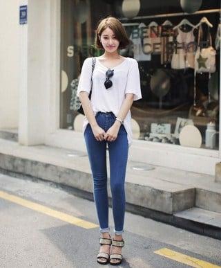 diện quần jean với áo phông