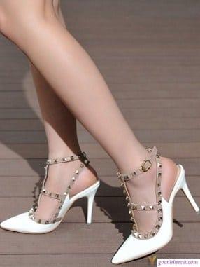 giày nữ gai nhọn