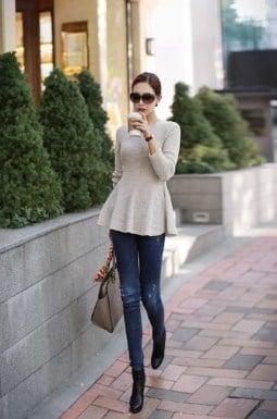 kết hợp quần jean với áo peplum