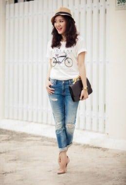 kết hợp quần jean với áo phông khi đi làm