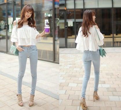 kết hợp quần jean với áo voan