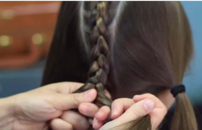 Học cách tết tóc xương cá cho mùa hè sắp đến 10