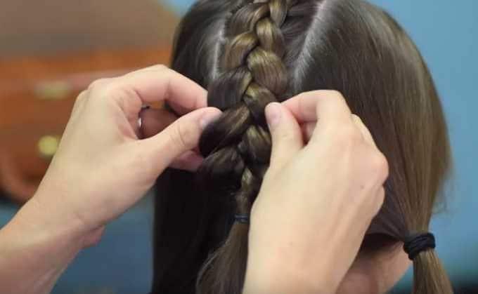 Học cách tết tóc xương cá cho mùa hè sắp đến 11