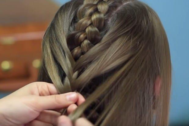 Học cách tết tóc xương cá cho mùa hè sắp đến 14