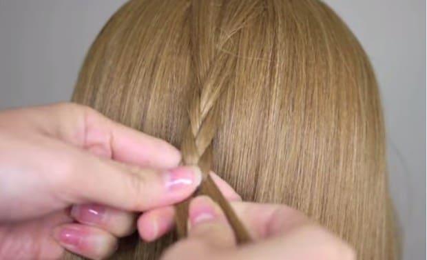 Học cách tết tóc xương cá cho mùa hè sắp đến 16