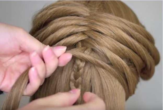 Học cách tết tóc xương cá cho mùa hè sắp đến 19