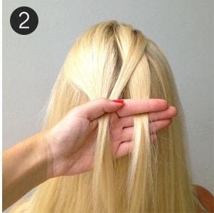 Học cách tết tóc xương cá cho mùa hè sắp đến 4