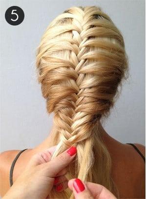 Học cách tết tóc xương cá cho mùa hè sắp đến 7