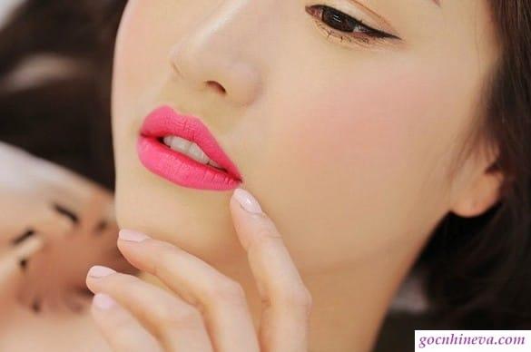 Các màu son mà môi thâm không nên đụng tới