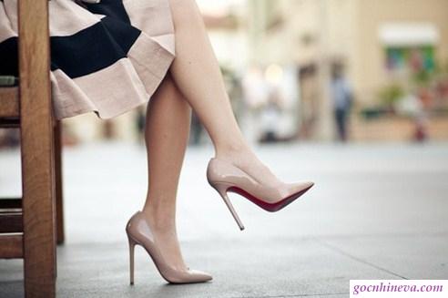 phối giày màu nude