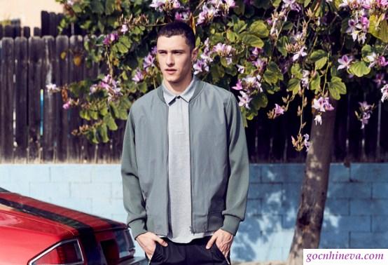 quần jean và áo bomber jacket