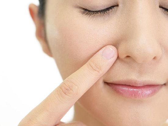 Da nhạy cảm nên dùng kem dưỡng da nào?