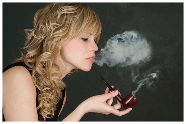 Tóc bạc sớm do hút thuốc lá