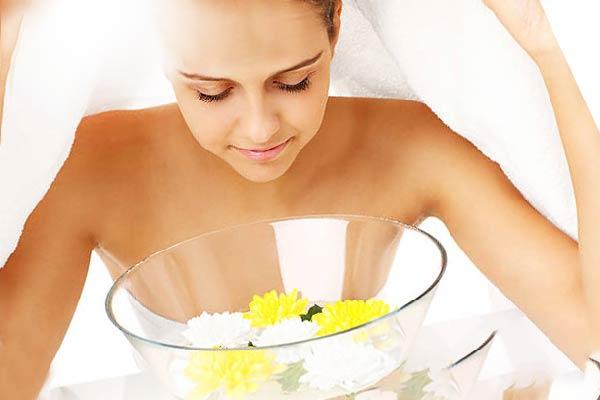 Xông hơi mặt giúp da hấp thụ dưỡng chất tốt hơn