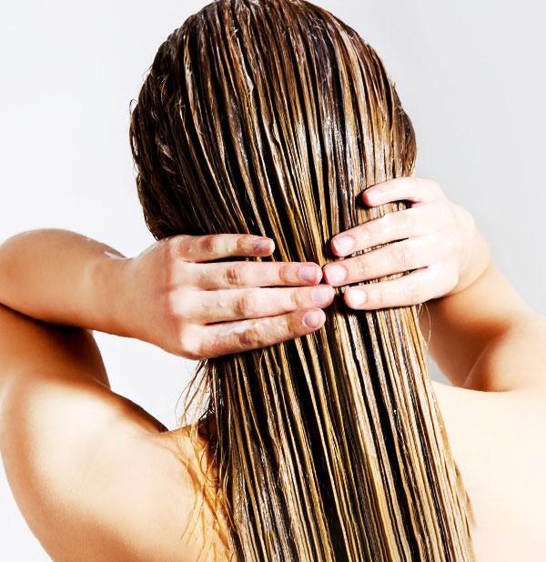 Thoa kem ủ tóc