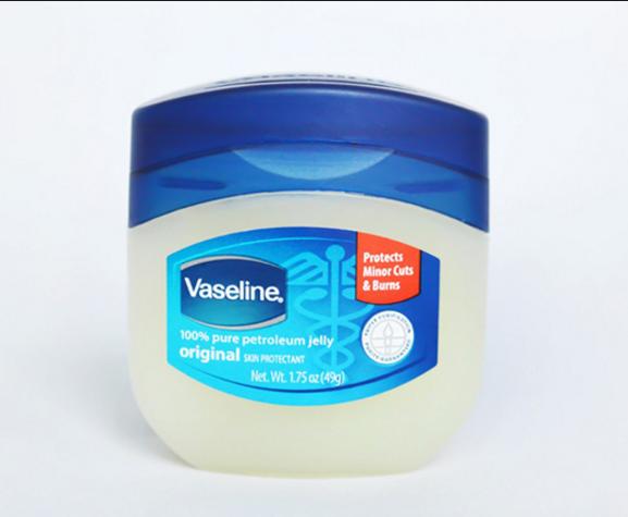 Công dụng và ưu điểm của dưỡng mi Vaseline