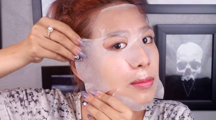 Quy trình đắp mặt nạ giấy rất đơn giản, không tốn nhiều thời gian