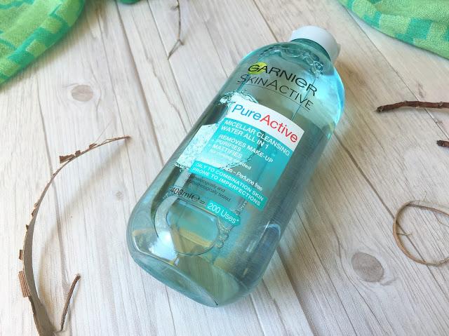 Nước tẩy trang Garnier Micellar Cleansing Water Waterproof cho da dễ kích ứng