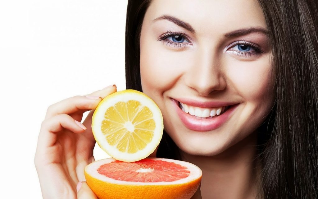 Vitamin C có tác dụng gì với da?