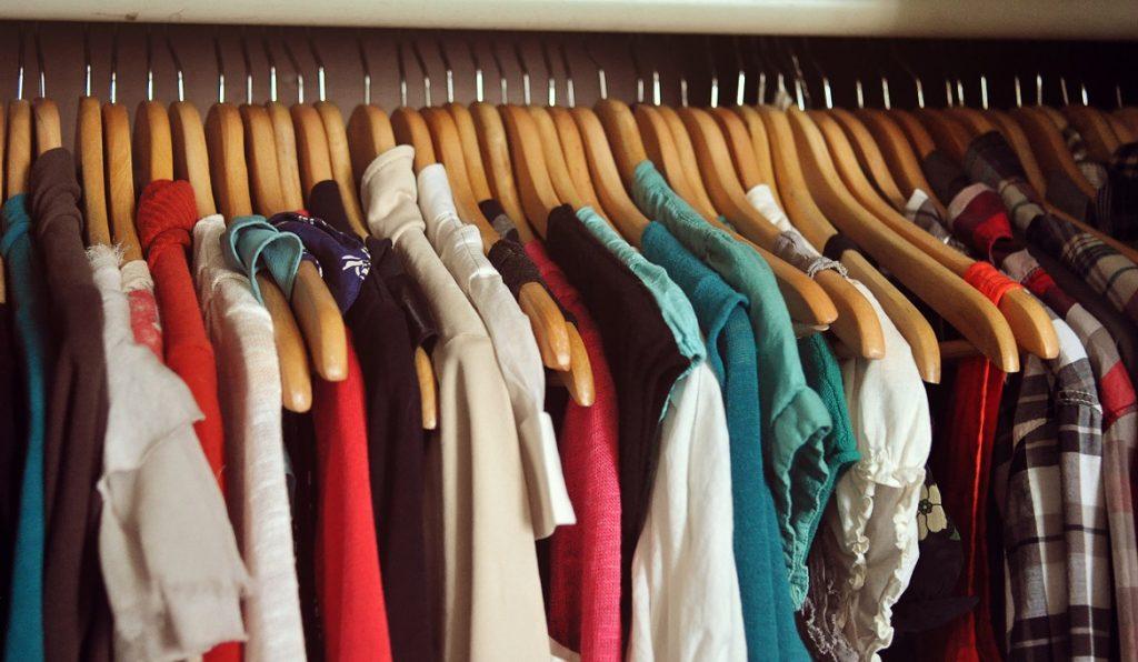 Nên chọn mua giấy thơm quần áo như thế nào?