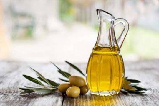 Dùng dầu oliu