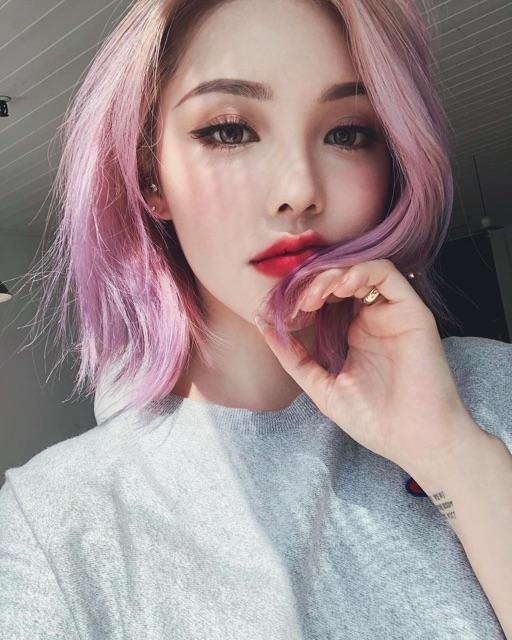 Màu hồng tím