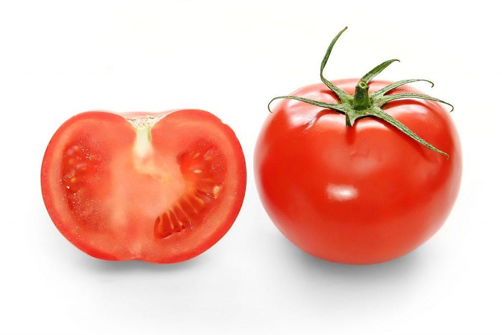Có rất nhiều cách trị tàn nhang bằng cà chua