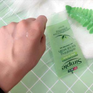 Thành phần của sữa rửa mặt Simple